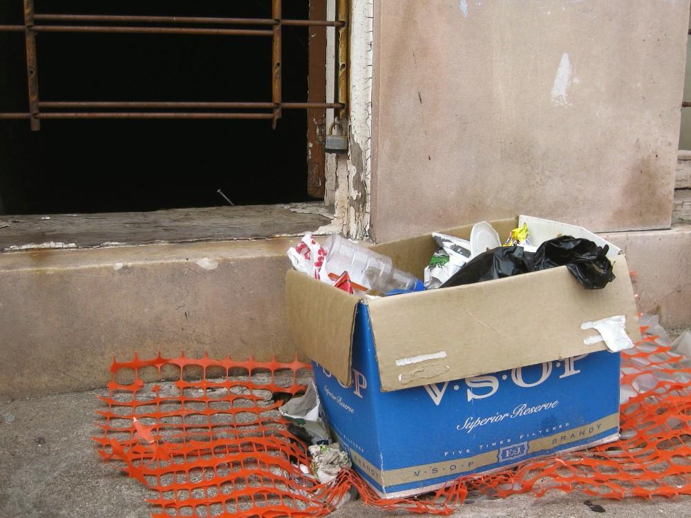 exterior-window-box-trash